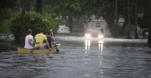FEMA pide prepararse para la llegada de tormenta Debby