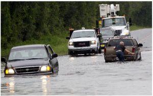 Debby forza evacuación en zonas de Florida