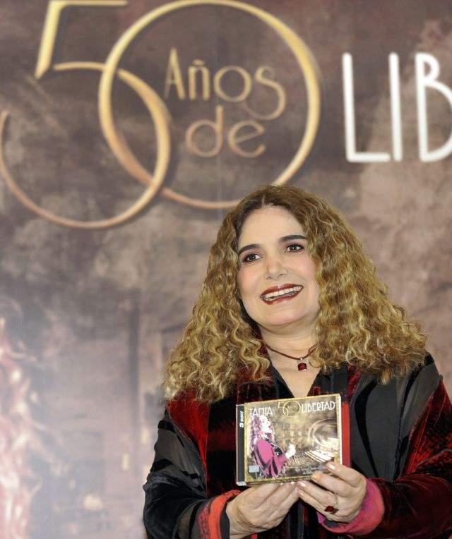 Tania Libertad celebra sus 50 (Video)