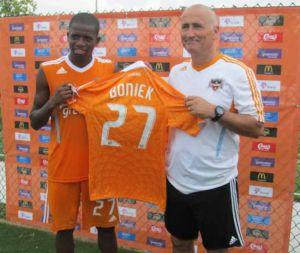 El hondureño Boniek llegó al Dynamo  de Houston