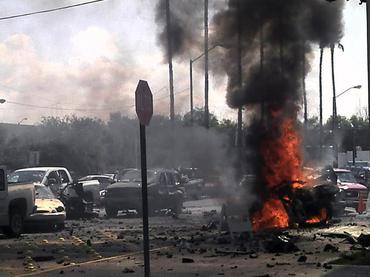 Siete heridos en explosión frente a alcaldía en México