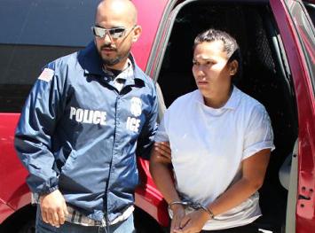 """Deportan a México a """"la reina del crimen"""""""