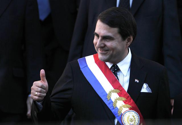 Paraguay retira a embajador