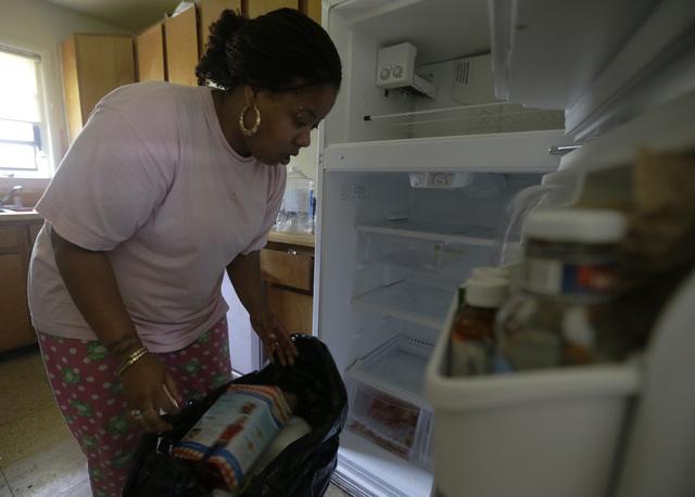 Miles sin electricidad en EE.UU. están que echan chispas