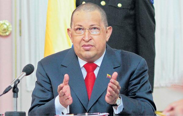 Chávez sale en defensa de Maduro
