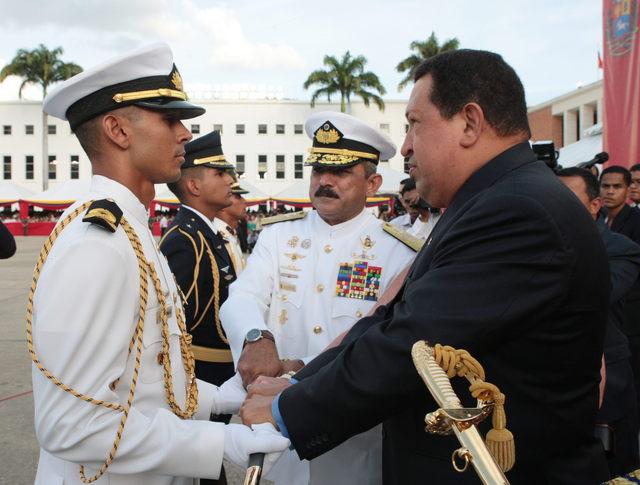 Chávez acusa a Capriles de desestabilizador