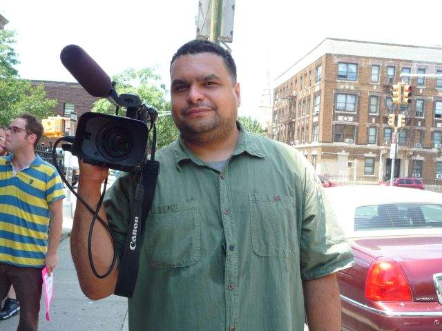 Puertorriqueño filma injusticias en Sunset Park