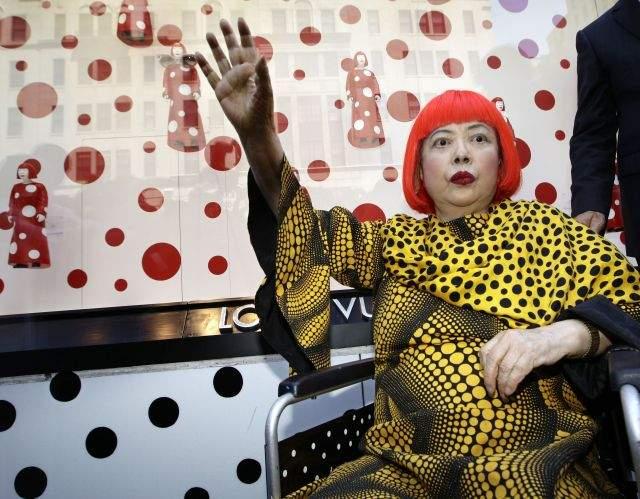 La artista Yayoi Kusama llena Nueva York de lunares