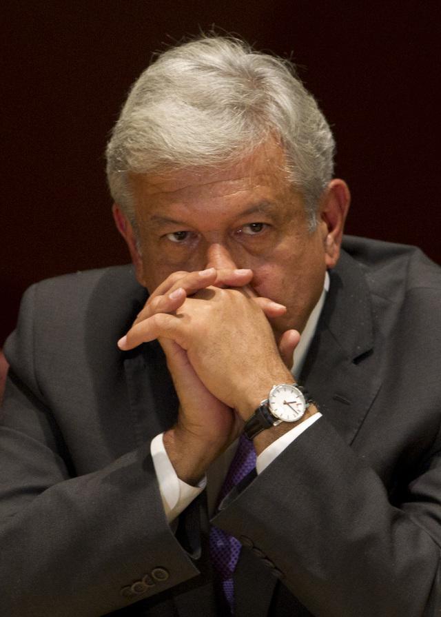 López Obrador defiende la democracia
