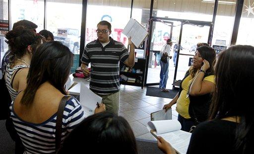 Decepción por residentes que no tramitan la ciudadanía