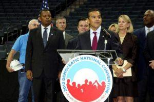 Buscan participación latina en convención demócrata de septiembre
