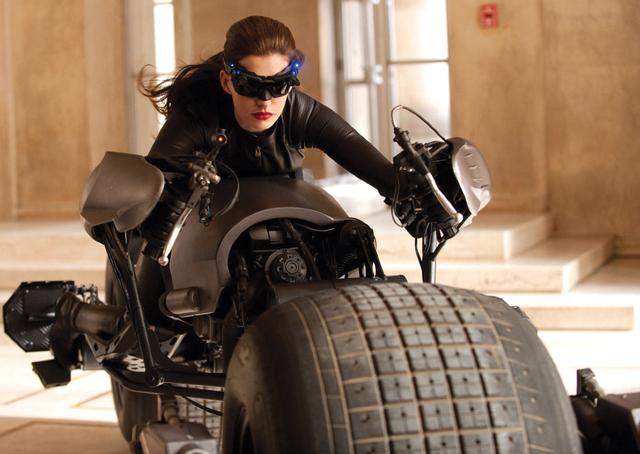 Anne Hathaway dice: 'Catwoman es parte de mi vida'