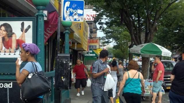 Ladrones al acecho en paradas de trenes y autobuses en El Bronx