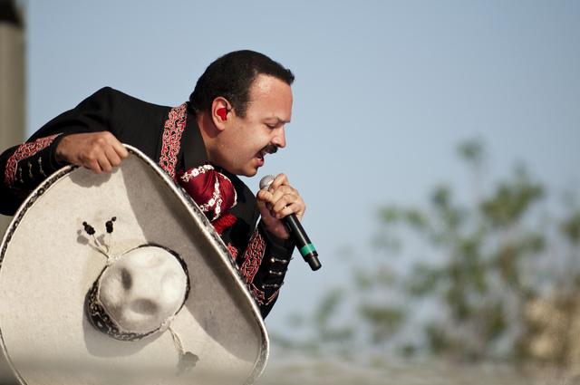 Pepe Aguilar listo para ser 'pisoteado'