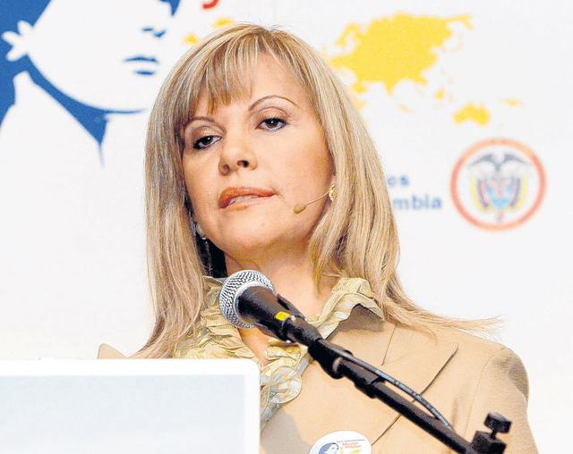 Arrestan a expresidenta de Congreso en Colombia