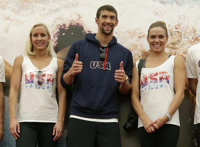Phelps,   líder de los nadadores
