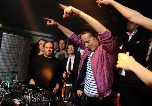 Pierre Sarkozy, primero DJ y ahora modelo (Fotos y Video)