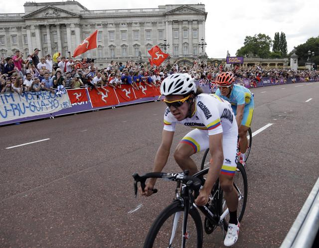 Colombiano Urán vuela en Londres