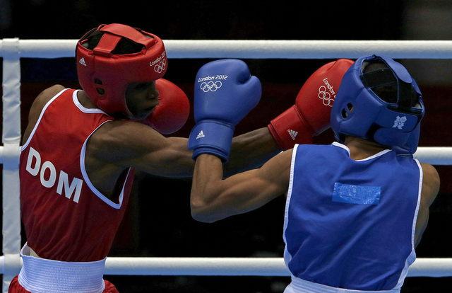 Latinos ganan en boxeo