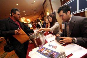 Organización impulsa a hispanos en participación política