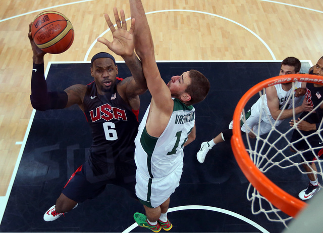Argentina enfrenta a EEUU en básquetbol masculino