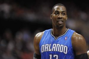 Dwight Howard llega a los Lakers