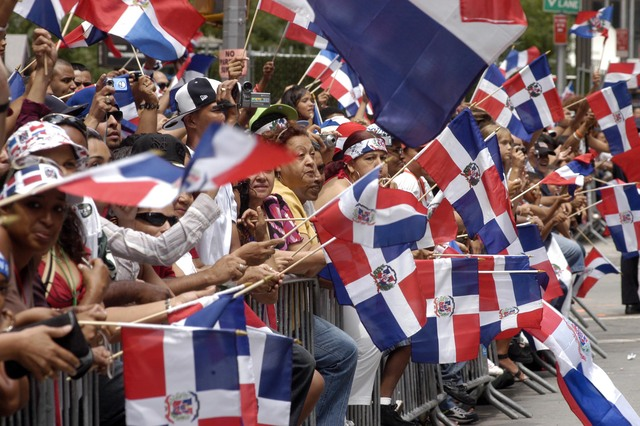 "Polémico video: critican a dominicanos por ""racismo"" ante visitantes negros en Nueva York, en aparente intento de saqueo"