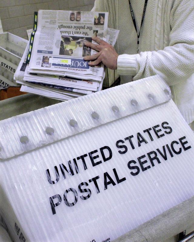Arrestan a trabajadora postal por robo de cheques en Yonkers