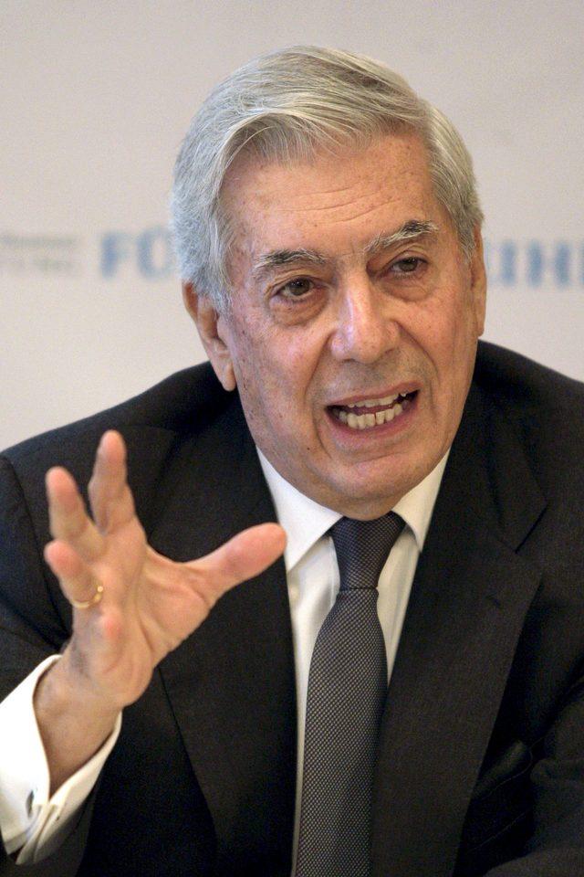 Vargas Llosa expone crisis de la cultura
