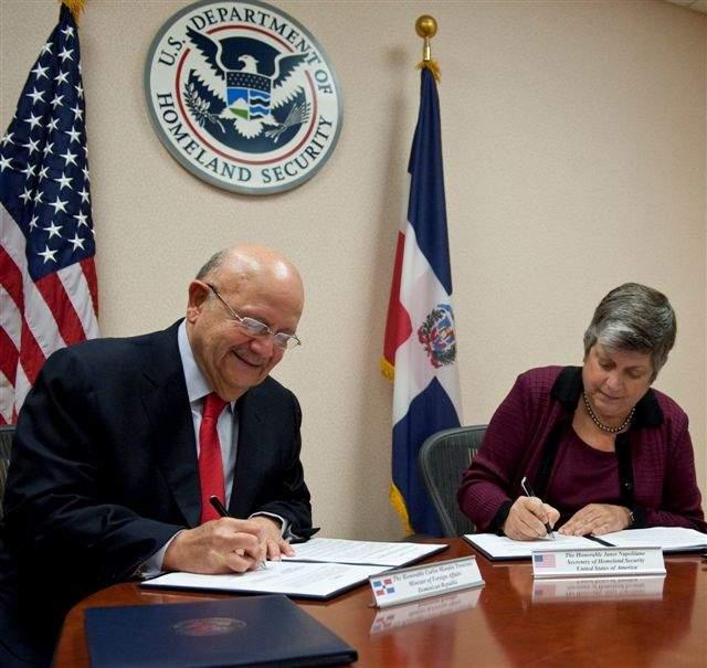 EEUU y RD firman acuerdo de seguridad aérea