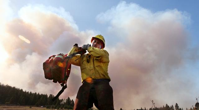 Incendio quema unas 60 casas en Washington