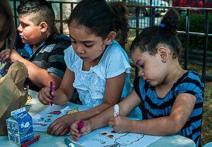 Al menos 40 niños inmigrantes no acuden escuelas tras inicio de clases en NYC