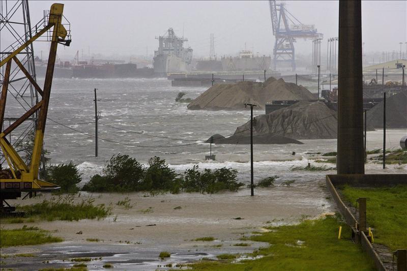 ¿Por qué el huracán Laura se intensifica tan rápidamente y cuán devastador puede ser para Texas y Louisiana?