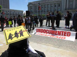 Latinos exigen cambios