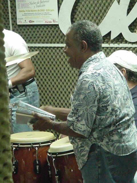 Muere percusionista puertorriqueño Manolito González