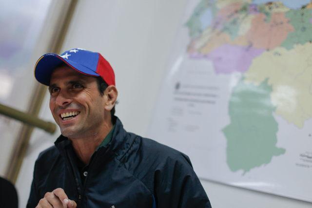 Capriles: gobierno quiere menos ojos