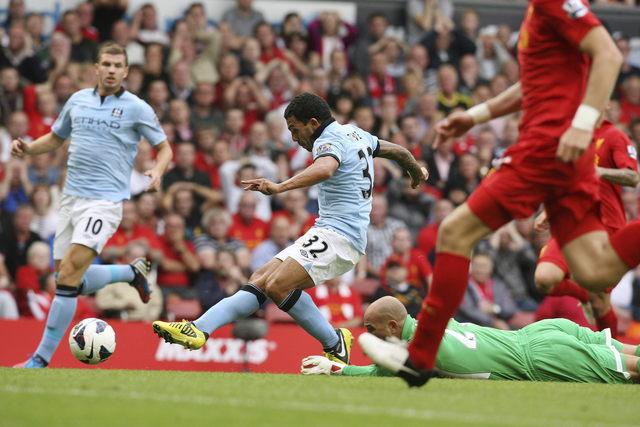 Igualan 2-2 Liverpool y Man City