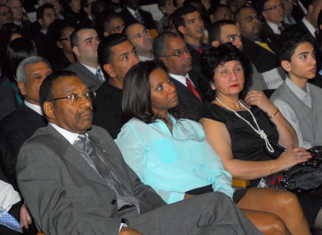 Sale bajo fianza hija del senador Rubén Díaz en NY