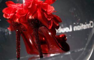 Las suelas rojas de Louboutin son marca registrada (fotos)