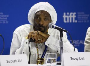 Snoop Dogg cambia al reggae (Fotos y video)
