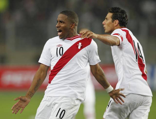 Farfán, el máximo goleador de Perú en eliminatorias