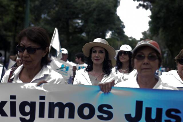 Piden juicio justo a oficiales genocidas