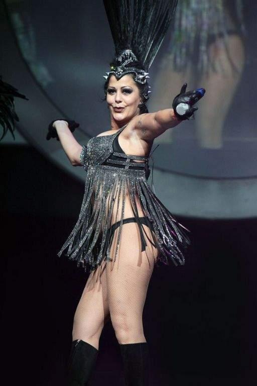 Alejandra Guzmán vuelve a los escenarios (Video)