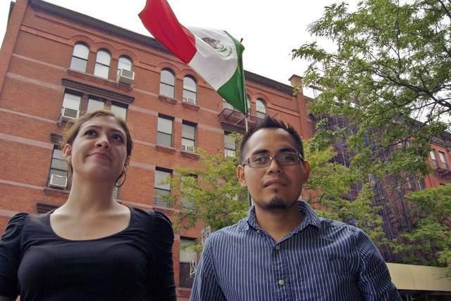 Broma de Romney cae mal a mexicanos de NY (Fotos)