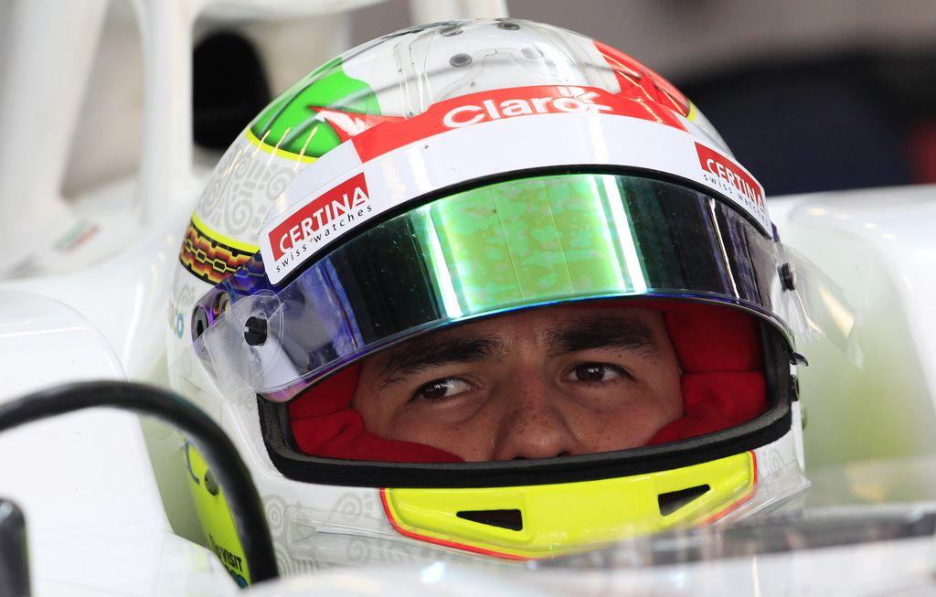 Checo Pérez quiere equipo grande de la F1 (video)
