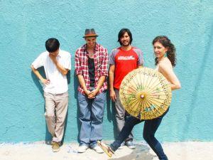Salt Petal muestra estilo musical multilingüe