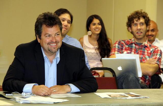 Buscan talentos latinos para la comedia