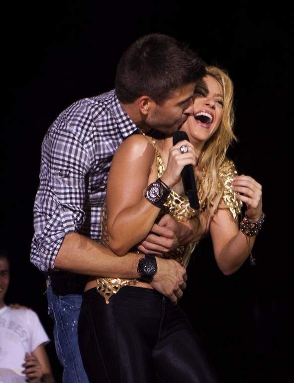 Shakira confirma que será niño (Fotos y video)
