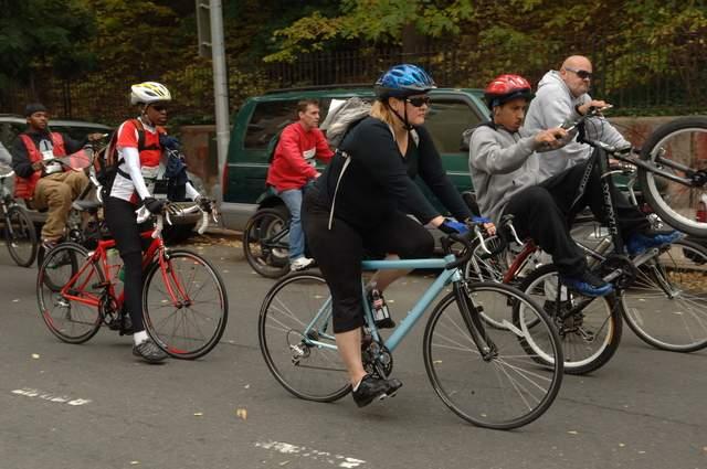En bicicleta es la mejor forma de conocer El Bronx