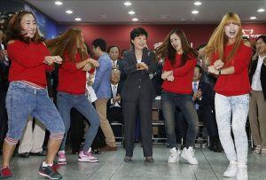 """Marina tailandesa se suma al """"Gangnam Style"""" (Fotos y Video)"""